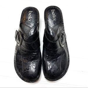 BOLO black tooled leather slip on clogs sz 10